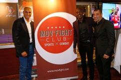 Souleymane Cissokho (médaillé olympique) entouré des fondateurs Mov'Fight Club